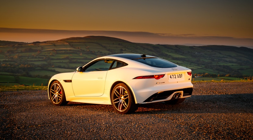 Jaguar F-Type Checkered Flag